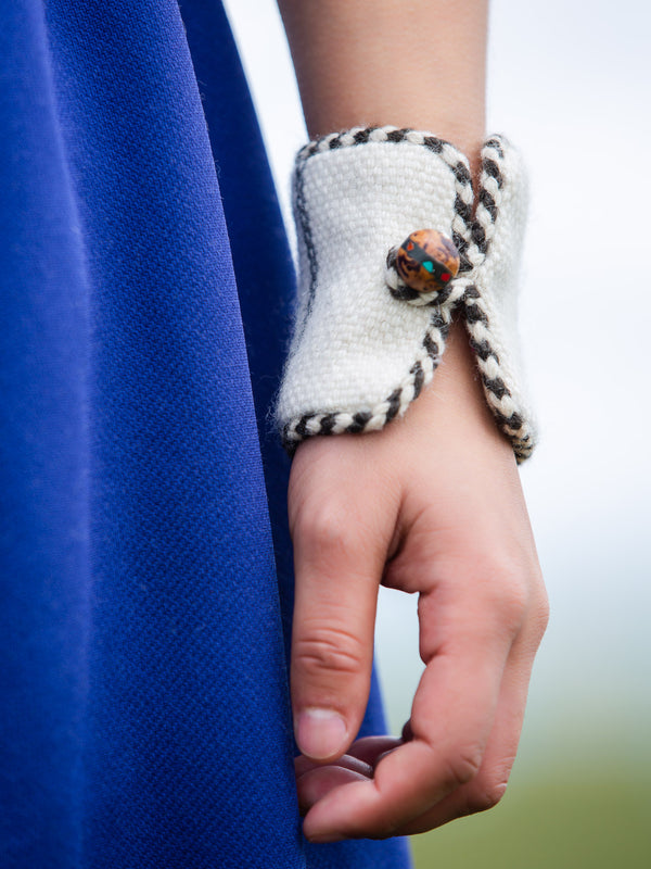 Wrist Cover is made with traditional craftsmanship, the best gift for mother.
