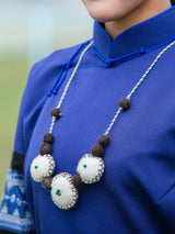 Traditional handmade necklace, simple and natural, take you to experience the prairie style.