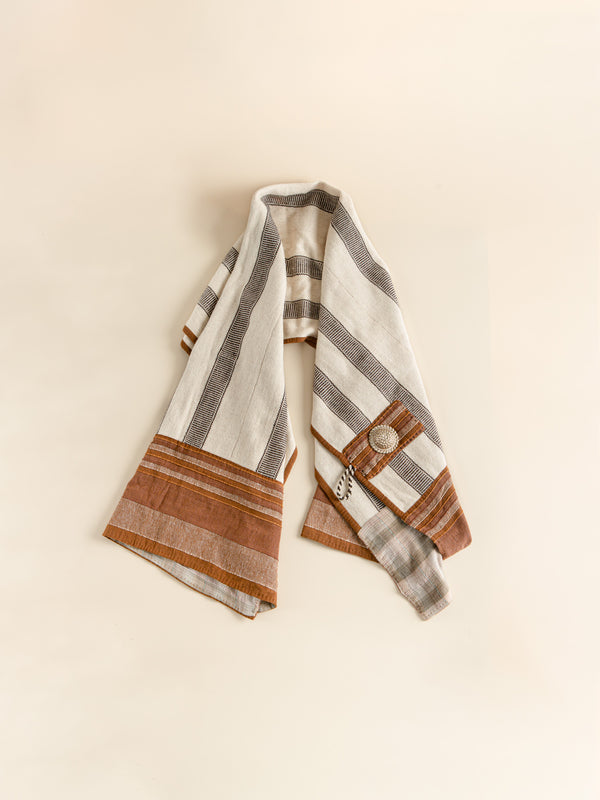 Elegant and practical hand-made shawl, sheep wool woven, ethnic.