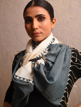 Load image into Gallery viewer, KUMBHA Silk Cotton Handwoven Stole - Ivory Indigo