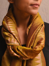 Load image into Gallery viewer, TUSSAR IKAT Handwoven Silk Stole - Mehendi Green