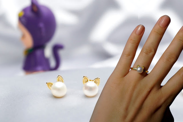 Pearly Lustre Cat Terinspirasi Perhiasan Mutiara