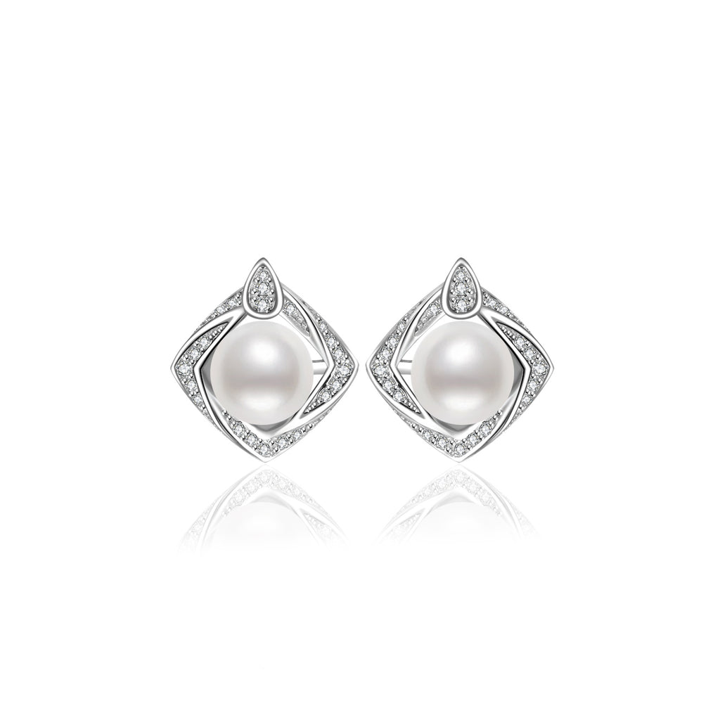 Pearly Lustre Elegant Freshwater Pearl Earrings WE00087 Product Image with Model