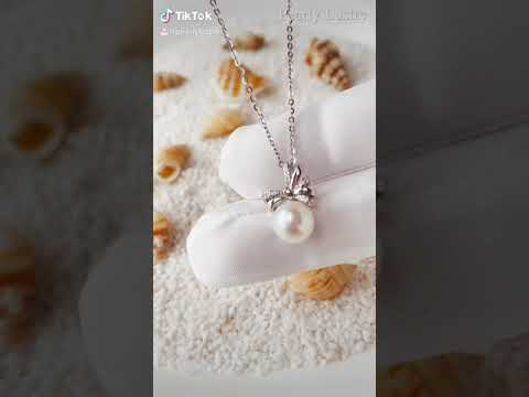 Pearly Lustre Elegant Freshwater Pearl Necklace WN00028 Product Video