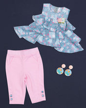 Load image into Gallery viewer, Grey & Pink Top With Capri Set