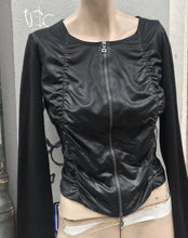 Load image into Gallery viewer, Marithe Francois Girbaud zip up top / jacket