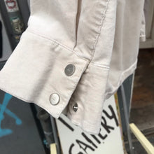 Load image into Gallery viewer, Multiple pockets shirt