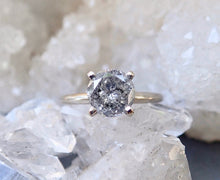 Load image into Gallery viewer, Salt and pepper diamond ring, raw diamond