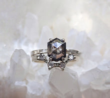 Load image into Gallery viewer, Crown Arc Diamond Ring