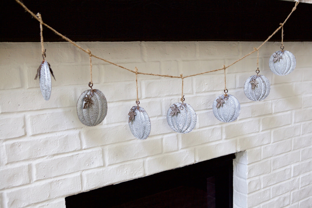 Dangling Pumpkin Garland