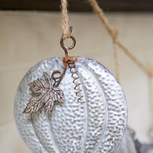 Load image into Gallery viewer, Dangling Pumpkin Garland