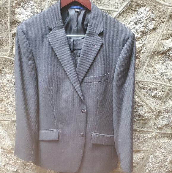 Men's Madison Pinstriped 2-pc Suit 40S