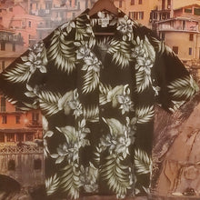 Load image into Gallery viewer, Vintage Men's Hawaiian Shirt