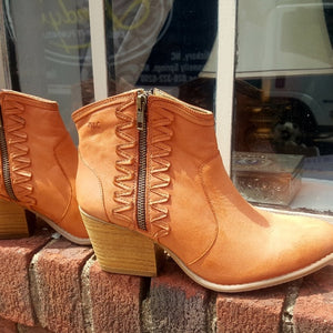 Musse & Cloud Western Booties NWOT