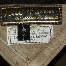 Load image into Gallery viewer, Vintage HUC of Sweden Men's Shearling Coat Small