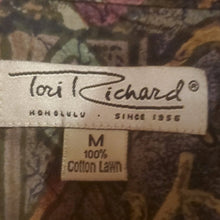 Load image into Gallery viewer, Vintage Men's Tori Richards Hawaiian Shirt Neck 15