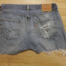 Load image into Gallery viewer, Vintage Levi's Women's Button Fly Jean Short 501