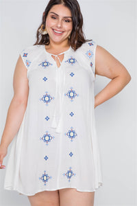Plus Size Off White Floral Embroidery Mini Dress