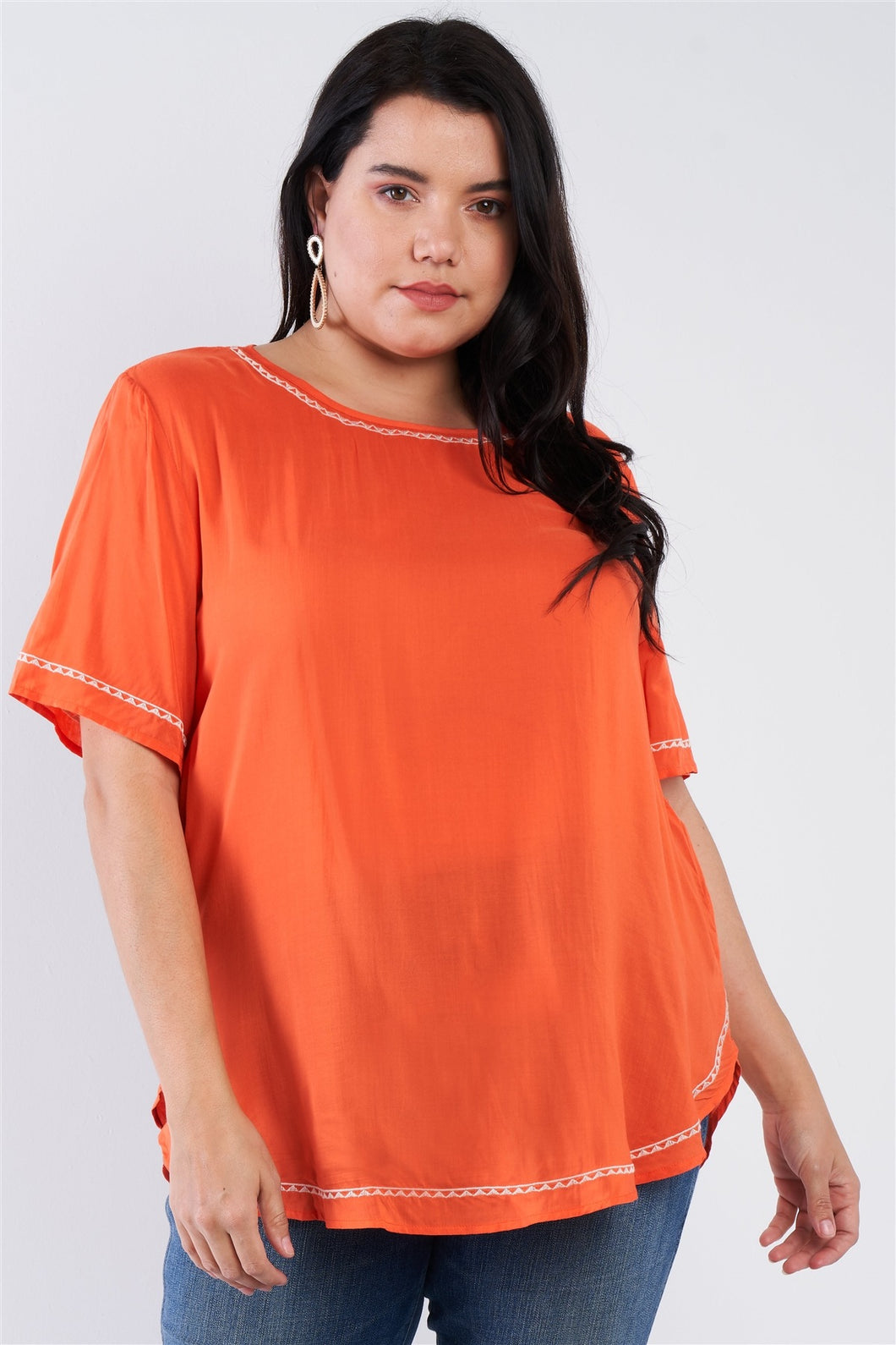 Plus Size Embroidered Hem Short Sleeve Top