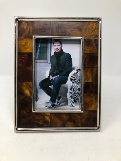 Photo Frames (MHF)