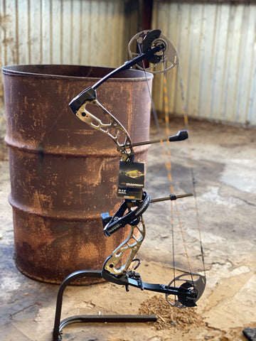 Diamond Edge 320 Compound Bow