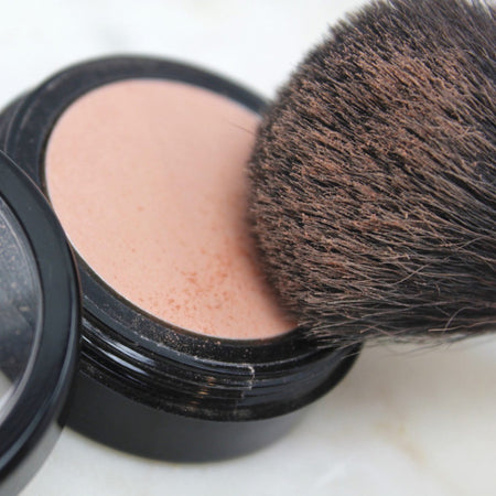 Shop Certified Organic Face Blush in Mango by Zuii Organic - Let's make it a trend #explorebeautiful eyeliners