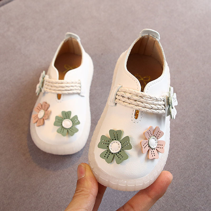 lovebabymammy.com Toddler Girls Shoes Girl 0-1-3 years old infant girl strape shoes with flowers soft leather baby walking shoes anti-slippery D04071