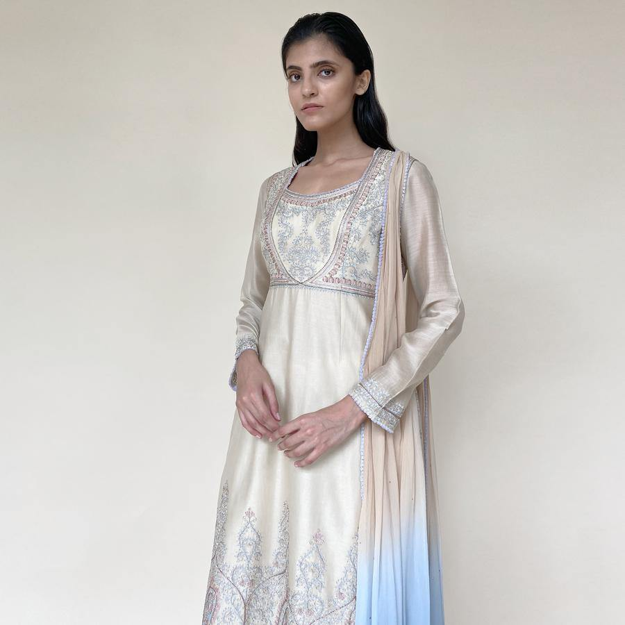 Chanderi embellished straight cut kurta, pants and stole. There is fine Resham, Kasab and katdana embroidery inspired by a Mughal pattern. The feel of the look is an understated elegance that will work perfectly for the day. The look is a perfect pick for someone who loves the elegance in simplicity. Abhishekstudio, Abhishek Sharma