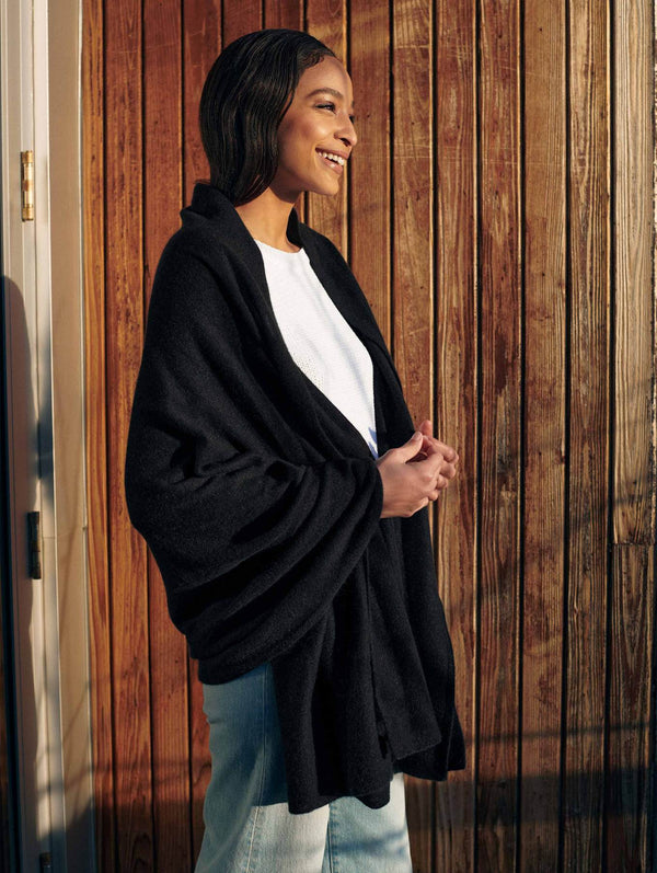 CASHMERE TRAVEL WRAP - BLACK