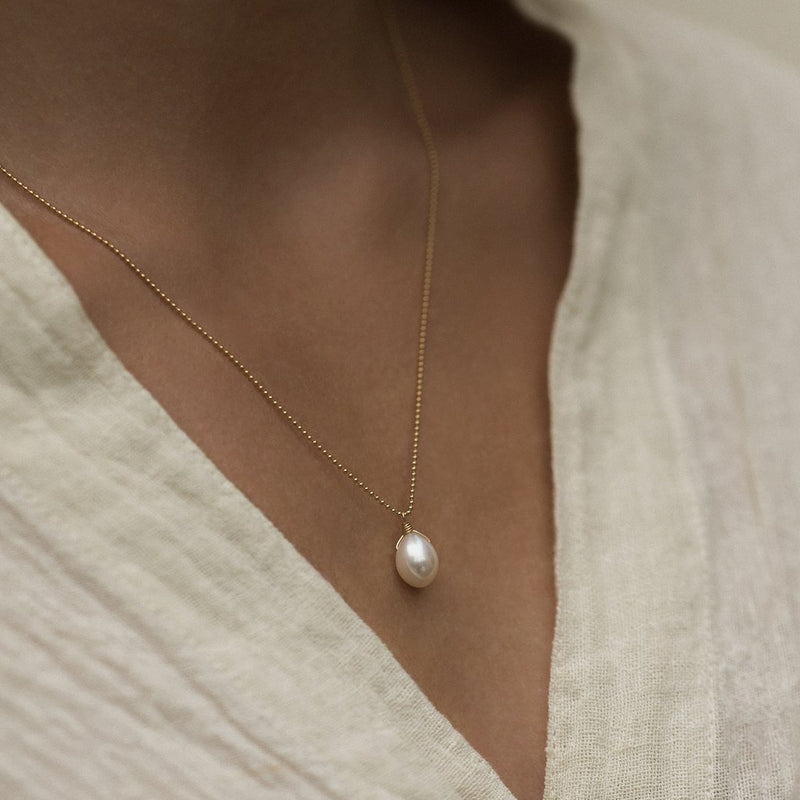 OLA NECKLACE | PEARL