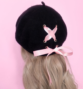 Ribbon Beret Black With Pink Bow