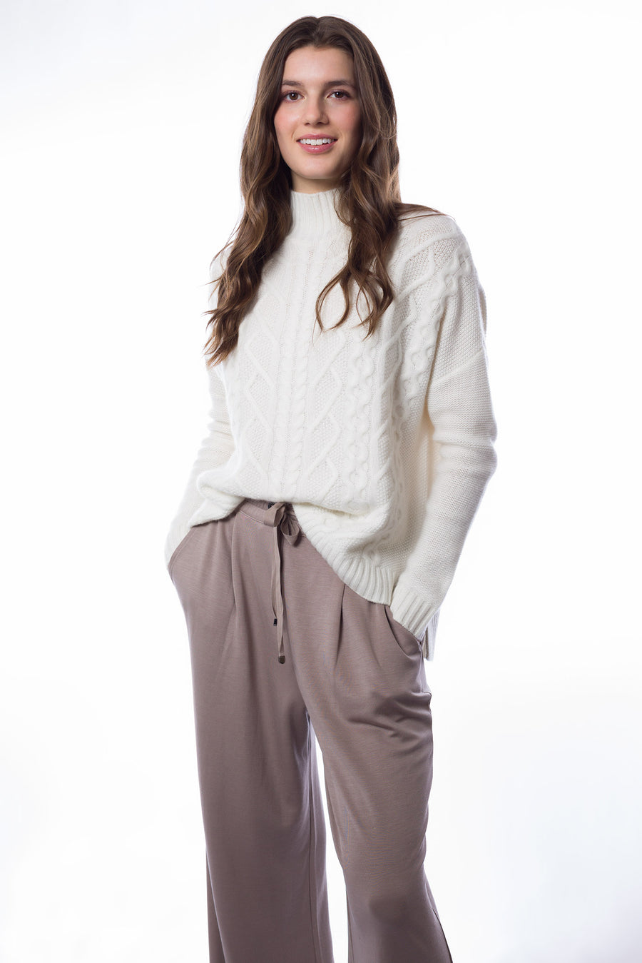 Sustainable Cashmere Loose Fit Cable Sweater - White - Dongli Cashmere