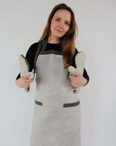 Linen apron in natural flax colour