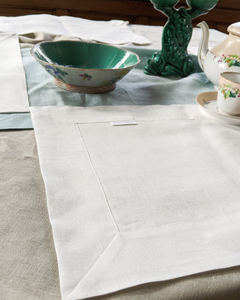 Linen table placemat in off-white