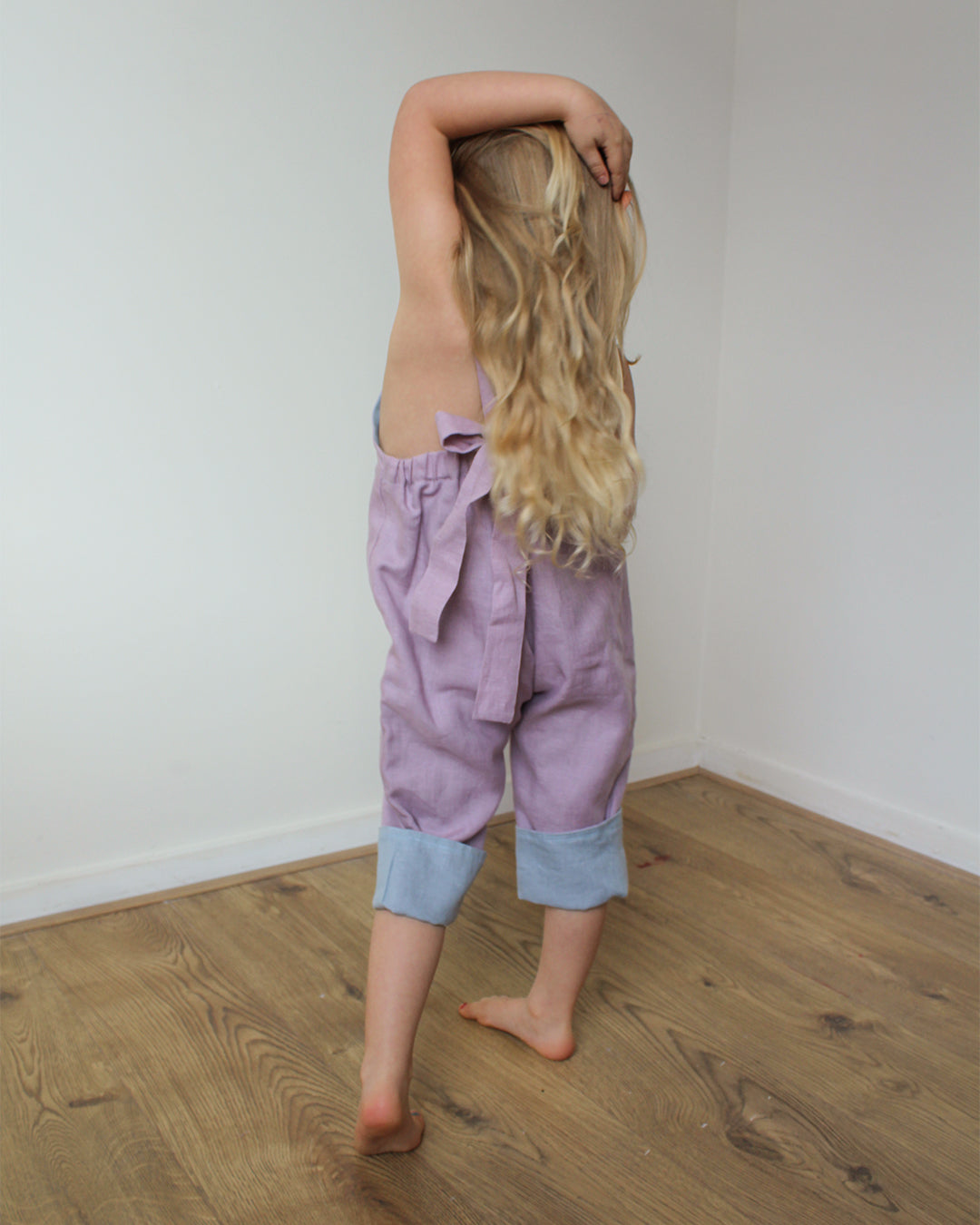 Linen pants with straps unisex in Lilac