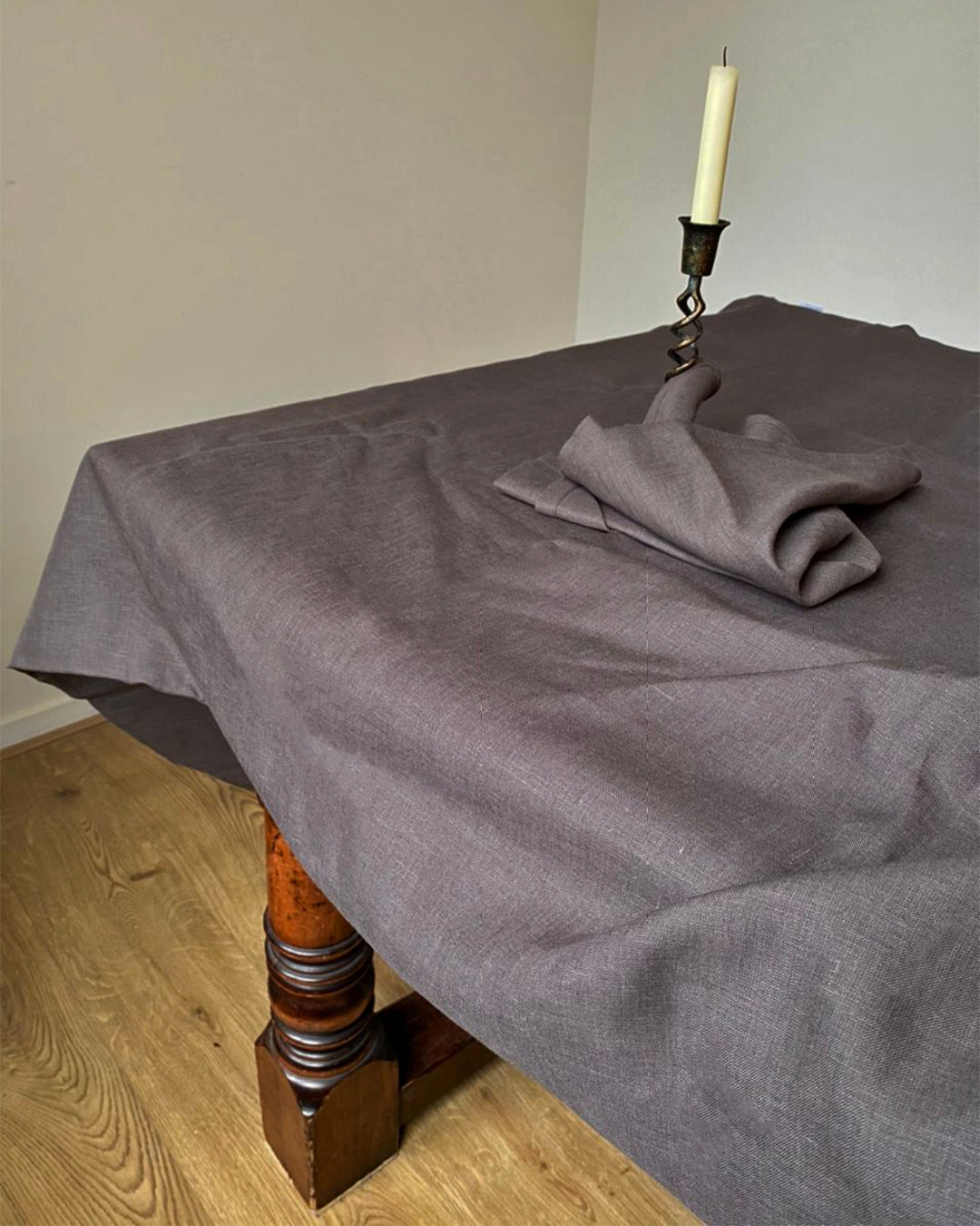 Tablecloth from graphite linen