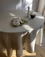 Afbeelding in Gallery-weergave laden, Round tablecloth from soft linen in Safari colour