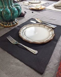 Linen table placemat in black
