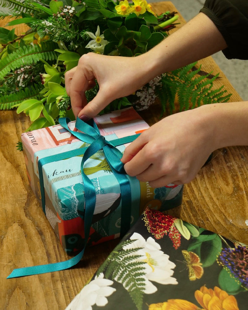 The Fantail House, Gift-wrapping, Gift-wrap