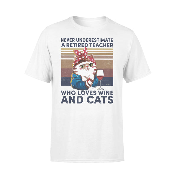 Never Underestimate A Retired Teacher Who Loves Wine And Cats Vintage Retro T-shirt L By AllezyShirt