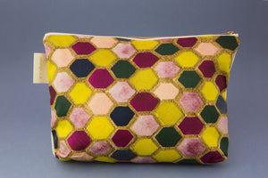 "Anna Wright washbag ""Bee"""