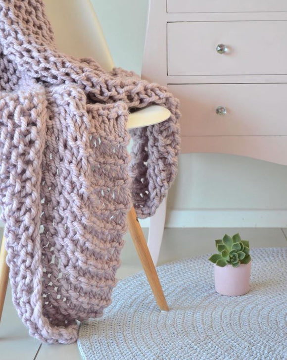Chunky Plain Knit Blanket