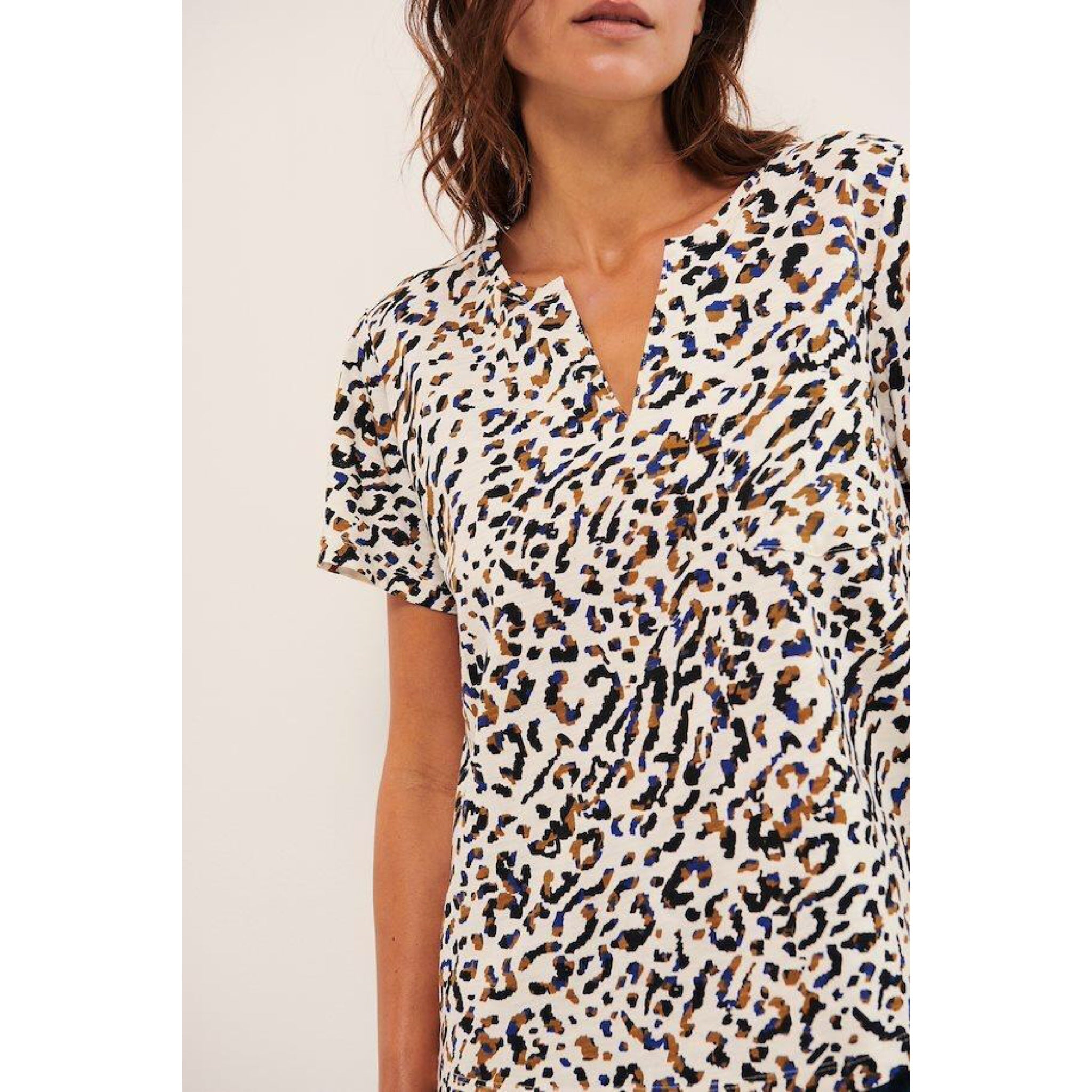 Gesina T-Shirt  Abstract Leo Print, Blue