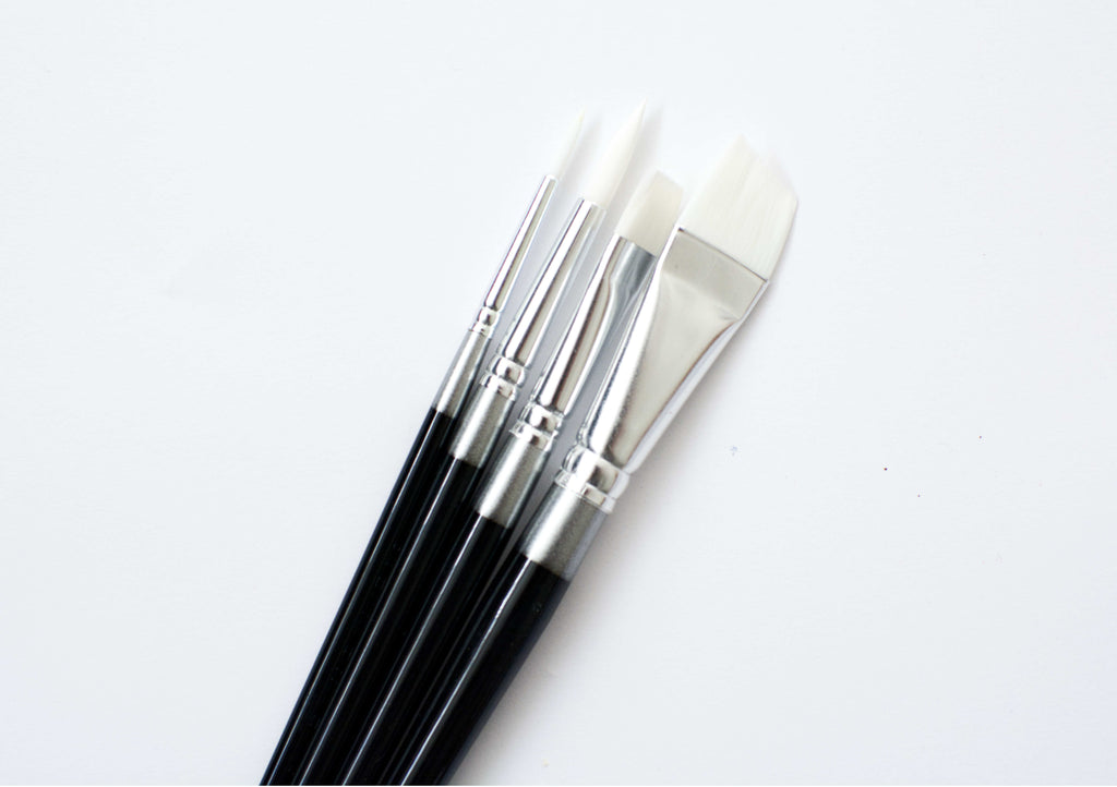 White Nylon Short Brush Set