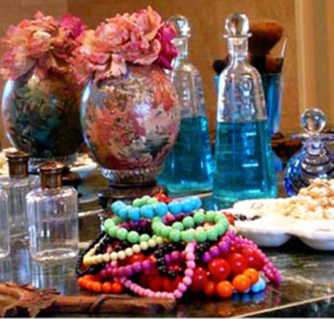 How to accessorize. Use your accessories to decorate.