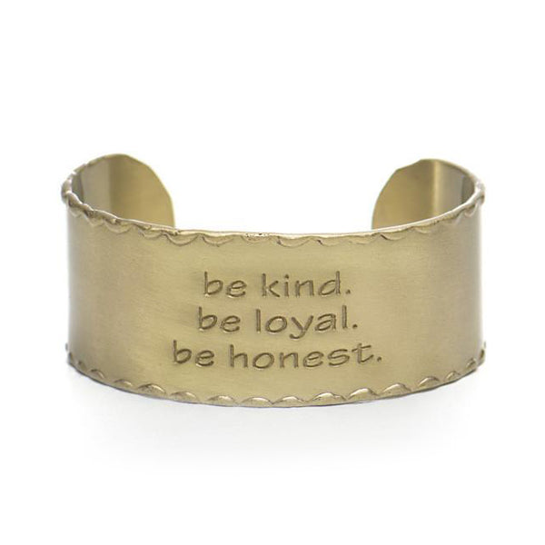 Scalloped Edge Quote 1.0 Be kind Be loyal Be honest - Gold