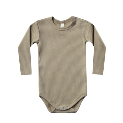 Quincy Mae - Organic Ribbed Long Sleeve Onesie in Olive