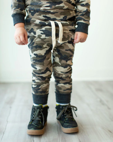 Ampersand Ave - Toddler Joggers in Camo (Size 3T)