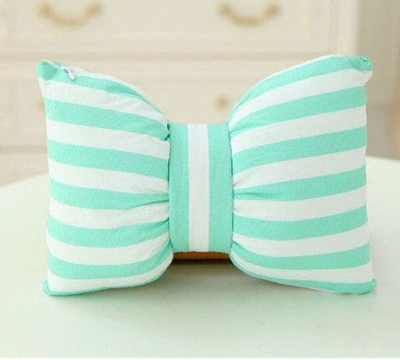 Kid Made Sundays: Bow Pillows