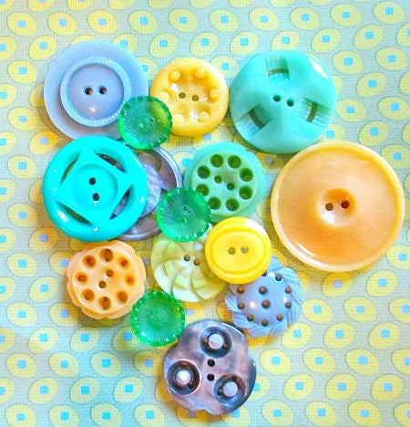 Vintage bag of buttons -greens/yellows - Accessories Of Old